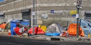 Tenting_in_Los_Angeles_Skid_Row